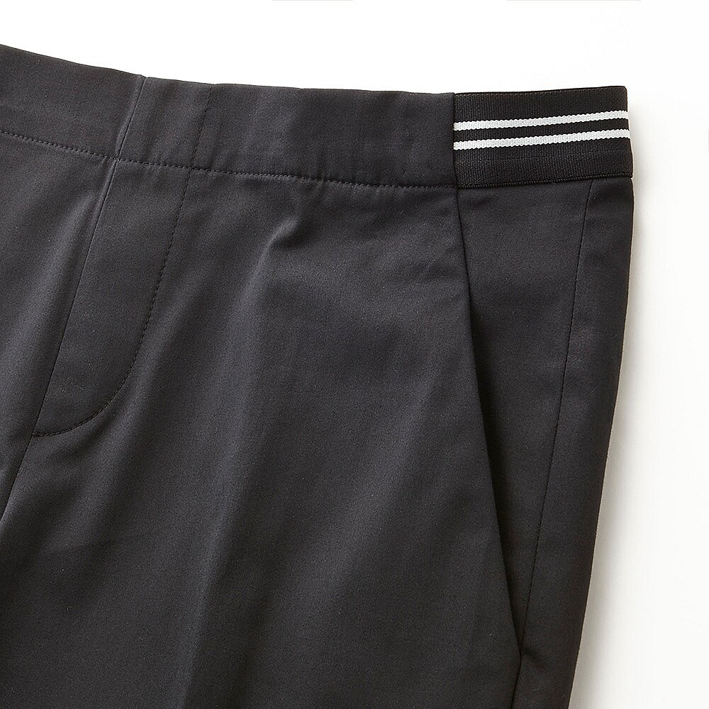 close up of elasticated waist_sub4