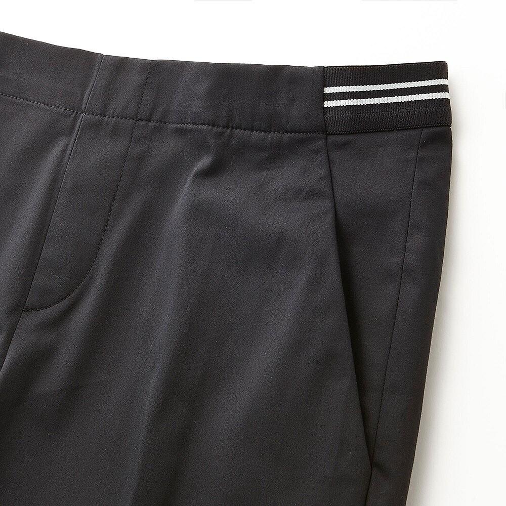 close up of elasticated waist_sub4
