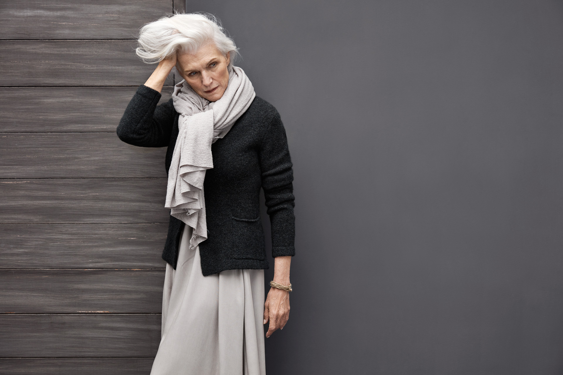 Grey haired model_LOOK_11