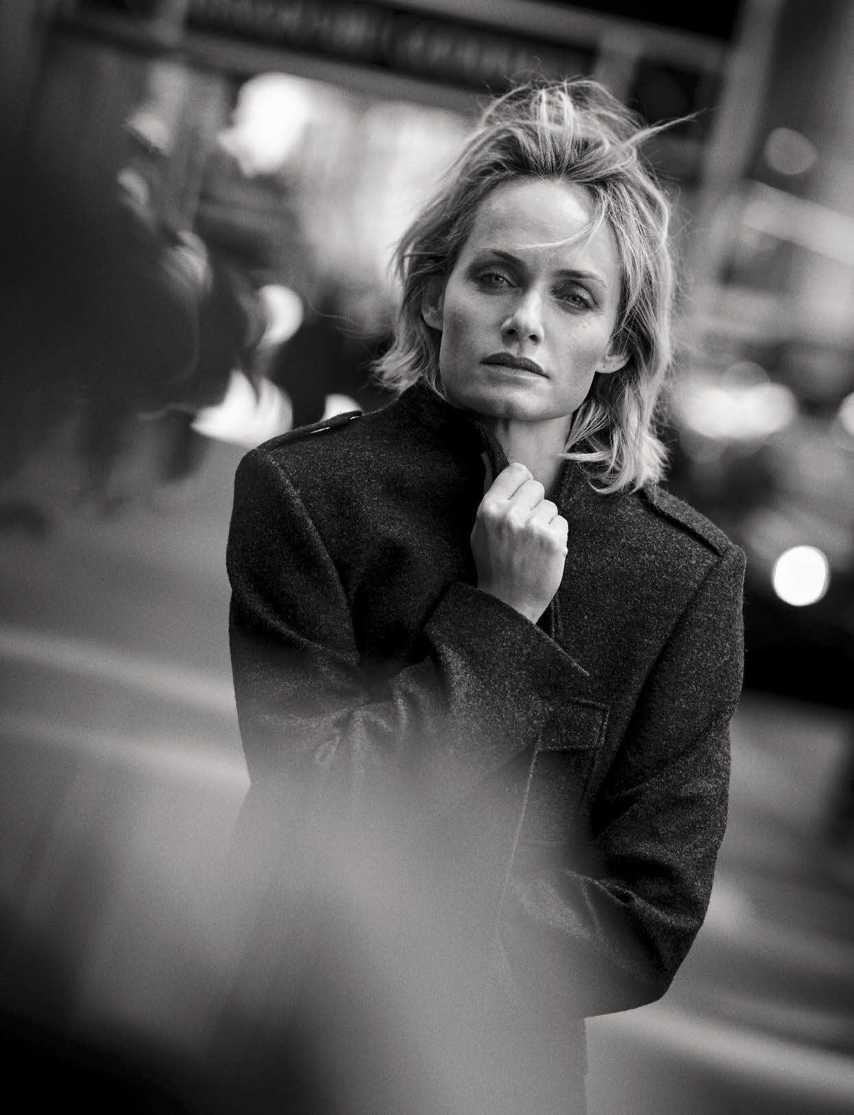 19-Vogue-Italia-October-2016-Amber-Valletta-by-Peter-Lindbergh