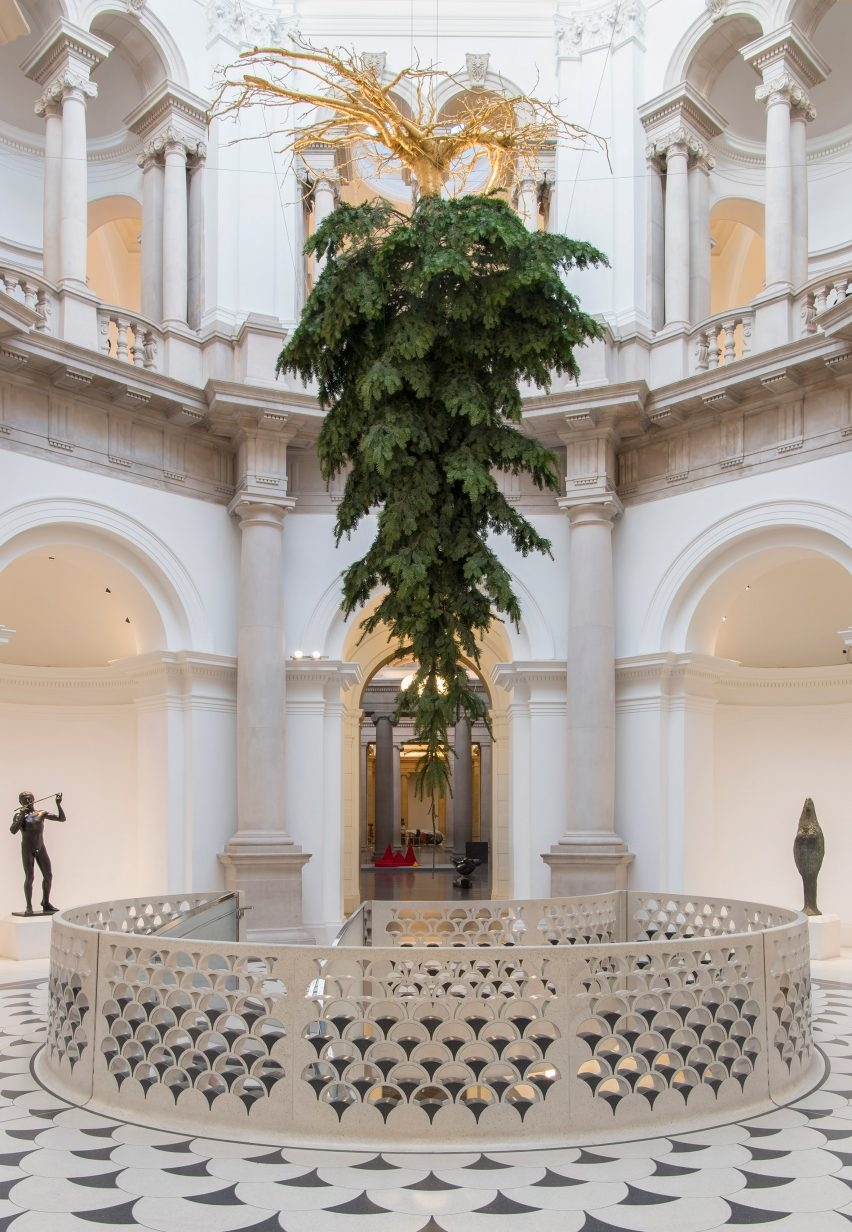 tate-christmas-tree-design-museum-christmas_dezeen_2364_col_1-852x1232
