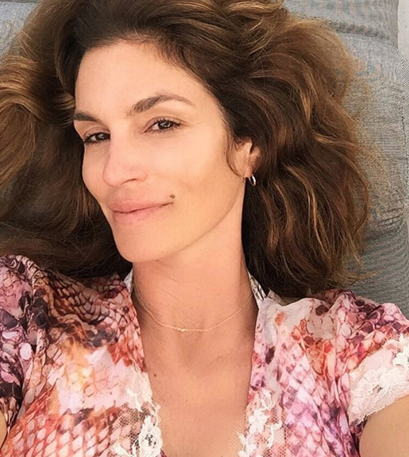 hbz-no-makeup-cindy-crawford-insta